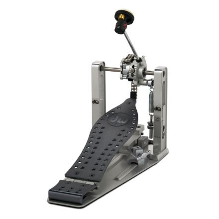 DW Machined Chain Drive Single Bass Drum Pedal With Bag - Grey Finish