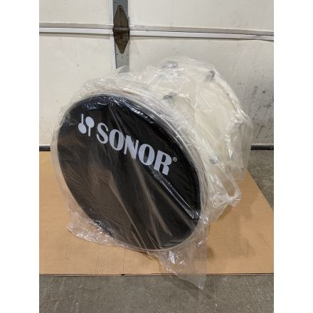 Sonor Essential Force Bass Drum with Mounting Bracket - 22x17 - Creme White - Blowout Deal!