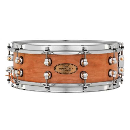 Pearl Music City Custom Solid Cherry 14x5 Snare Drum - Hand-Rubbed Natural