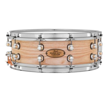 Pearl Music City Custom Solid Ash 14x5 Snare Drum - Hand-Rubbed Natural