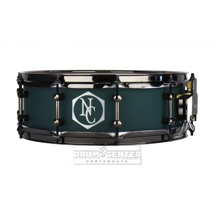 Noble And Cooley Alloy Classic Painted Snare Drum with Black Hw and Reveal Style Logo Flat Emerald Green - 14x4.75