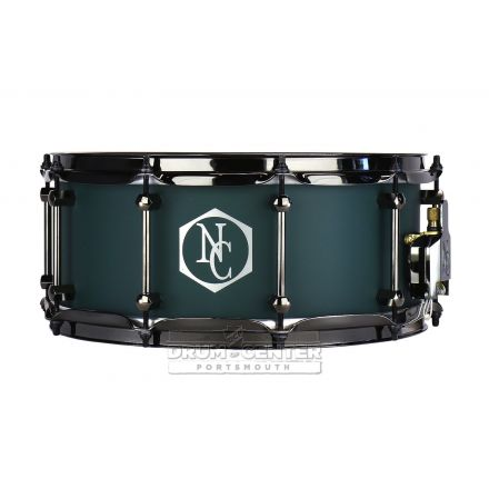 Noble And Cooley Alloy Classic Painted Snare Drum with Black Hw and Reveal Style Logo Flat Emerald Green - 14x6