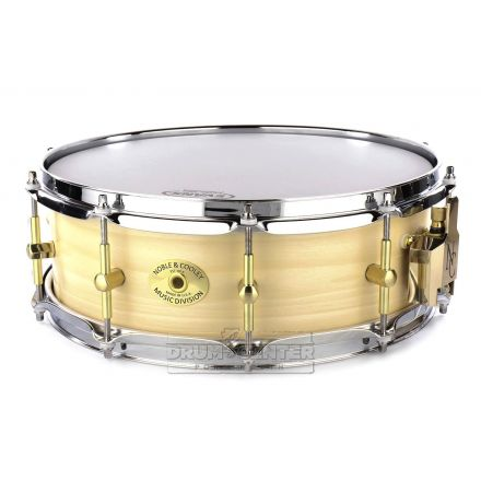 Noble And Cooley Solid Ply Tulip Snare Drum 14x5 w/Oval Badge
