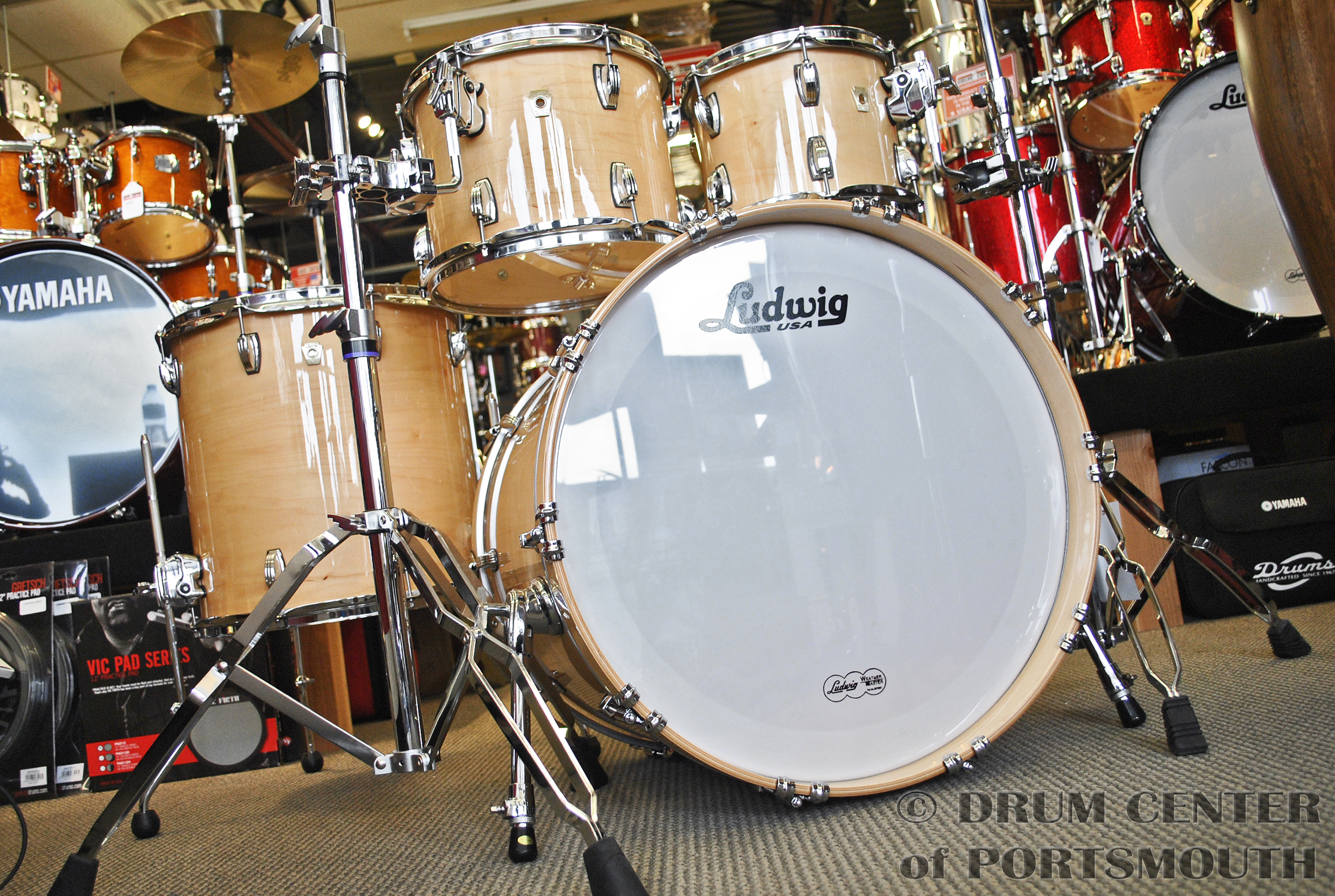 ludwig classic maple mod22 4pc drum set natural maple w free snare ebay. Black Bedroom Furniture Sets. Home Design Ideas